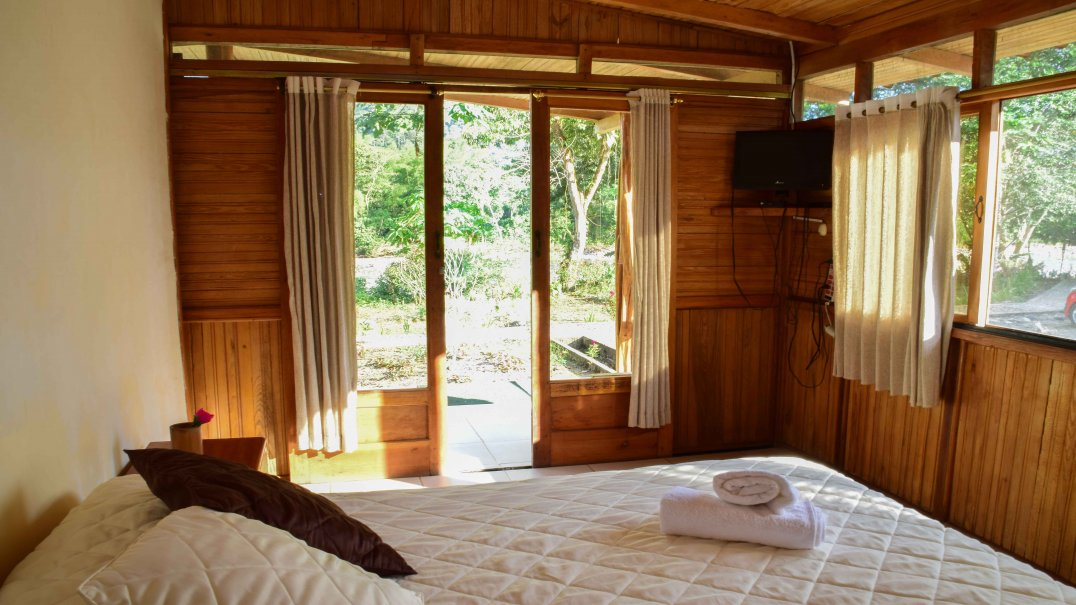 Cottage for 6 people on the banks of the Anzu River