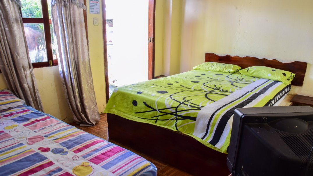 Triple Room Hostal Izucam