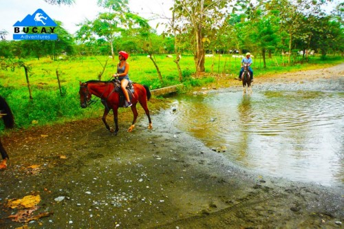 Horseback riding through the fields of Bucay near Guayaquil